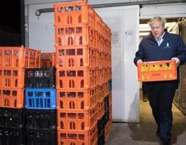 Thủ tướng Anh đi giao sữa trước bầu cử