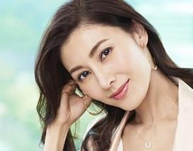"""Từng bị chỉ trích là """"tiểu tam"""", """"Hoa hậu đẹp nhất Hồng Kông"""" giờ viên mãn bên chồng con"""