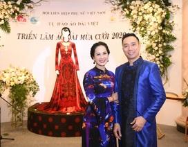 NTK Đỗ Trịnh Hoài Nam giới thiệu áo dài dát vàng đính 110 viên kim cương