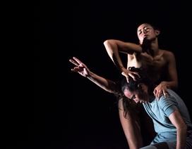 Khỏa thân trong vở múa từ góc nhìn của biên đạo và diễn viên múa