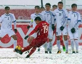"""Quang Hải không có đối thủ với siêu phẩm """"cầu vồng tuyết"""""""