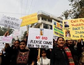 Chồng bỏ trốn ra nước ngoài, hàng ngàn phụ nữ Ấn Độ đòi hủy hộ chiếu