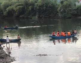 Lật thuyền trên sông, bé gái 5 tuổi chết đuối cùng cha