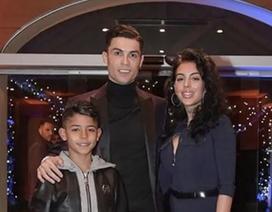 C.Ronaldo lộ ảnh hẹn hò lãng mạn bên người yêu xinh đẹp