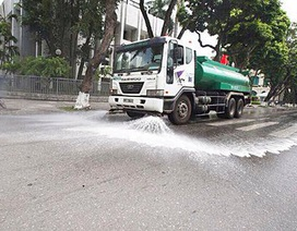 Hà Nội: Các quận đề xuất tưới nước rửa đường để giảm ô nhiễm không khí