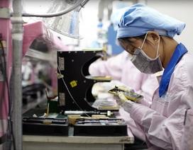 """Bán iPhone lắp từ linh kiện lỗi, nhân viên Foxconn """"bỏ túi"""" 43 triệu USD"""