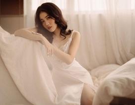 Bạn gái Đoàn Văn Hậu khoe vẻ đẹp quyến rũ mừng sinh nhật tuổi 21