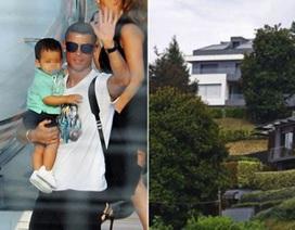 """Bất ngờ với cuộc sống """"không tiệc tùng, chẳng bay đêm"""" của C.Ronaldo"""