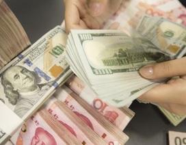 """Tiền """"bốc hơi"""" khỏi Trung Quốc mạnh chưa từng thấy"""