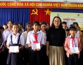 Phú Yên: Trao 100 suất học bổng đến con em ngư dân vượt khó học giỏi