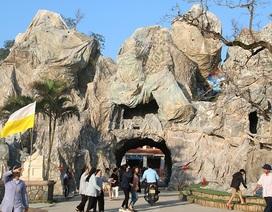 Chiêm ngưỡng hang đá đồ sộ được làm từ 8.000 cây tre