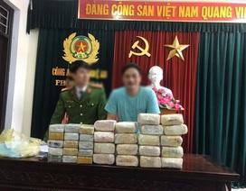 2 đối tượng người Lào vận chuyển 18kg ma túy đá và 30 bánhheroin