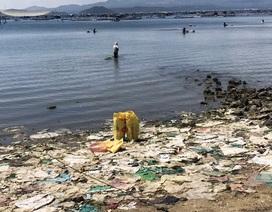 """Kinh hãi rác thải nhựa """"bóp chết"""" danh thắng Vịnh Xuân Đài tại Phú Yên!"""