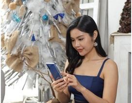 Tín đồ thời trang bật mí lý do phải lòng smartphone màu Xanh Aura mùa lễ hội