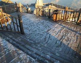 Băng tuyết xuất hiện trên đỉnh Fansipan đúng ngày Noel