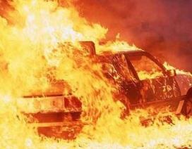 Xe ngoại giao Thổ Nhĩ Kỳ bị đốt cháy ở Hy Lạp