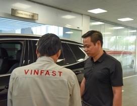 """Trải nghiệm một giờ làm """"thượng đế"""" của VinFast khi bảo dưỡng xe"""