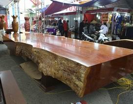 Chiêm ngưỡng những chiếc phản làm bằng gỗ cẩm giá hơn 2 tỷ đồng