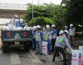 Nhà thầu Nhật Bản chung tay dọn rác làm sạch môi trường