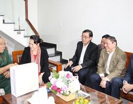 Chủ tịch Quốc hội thăm các gia đình chính sách tại Quảng Trị