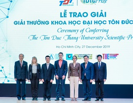 Ba nhà khoa học toàn cầu được đại học Việt Nam vinh danh