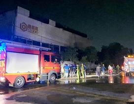 Cháy phim trường ở Sài Gòn, nhiều người hoảng loạn tháo chạy