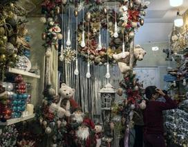 """Câu chuyện """"sống còn"""" của doanh nghiệp Việt đằng sau những ánh đèn Giáng sinh lấp lánh"""