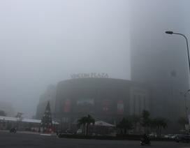 """Thành phố Hà Tĩnh chìm trong """"biển"""" sương mù ngày cuối năm"""