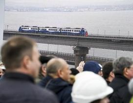 """Ông Putin hé lộ """"bí mật"""" về cây cầu nối Nga và Crimea"""