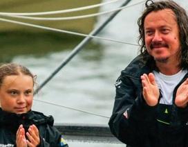 """Cha của """"chiến binh môi trường"""" Greta Thunberg: """"Con bé vui nhưng tôi lo lắng"""""""