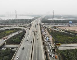 Hà Nội: Bến xe vắng lạ thường chiều cuối năm