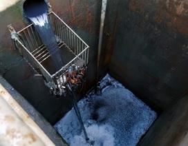 Nhà máy xử lý nước thải xả trộm bằng ống ngầm sâu gần 5 mét