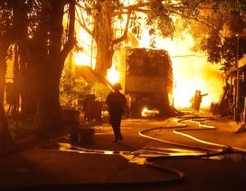 Cháy cực lớn tại Công ty Phú Thịnh ở TPHCM