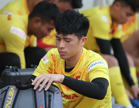 """HLV Park Hang Seo vẫn """"chờ đợi"""" Đình Trọng đến phút chót"""
