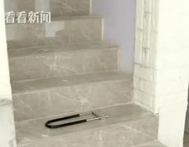 """Người đàn ông Trung Quốc suốt 4 năm đào """"như chuột"""" trong nhà để làm điều không ngờ"""
