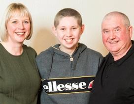 Vừa trúng 2 triệu USD, cặp vợ chồng lại bất ngờ nhận tin con trai chiến thắng ung thư