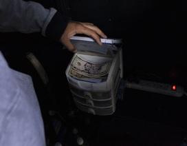 Vấn đề mới của Venezuela: Có quá nhiều tiền đô la