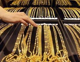 Giá vàng bất ngờ sụt giảm, mất đỉnh cao 7 năm