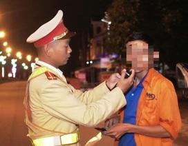 Đánh cảnh sát giao thông khi bị yêu cầu đo nồng độ cồn