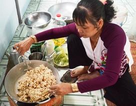 Cà Mau: Làng cốm gạo vào vụ Tết