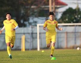 U23 Việt Nam làm quen sân tập Buriram, Đình Trọng tập sung chờ đấu U23 UAE