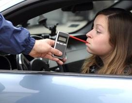 Các nước xử phạt hành vi uống rượu, bia khi lái xe thế nào?