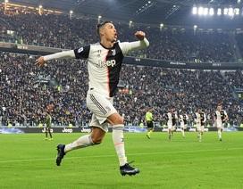 C.Ronaldo lập hat-trick, Juventus đại thắng ngày đầu năm