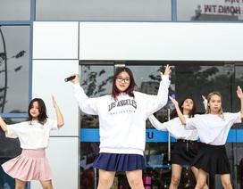 Hơn 800 bạn trẻ ĐH Kinh tế Quốc dân tưng bừng kỷ niệm Ngày hội học sinh, sinh viên