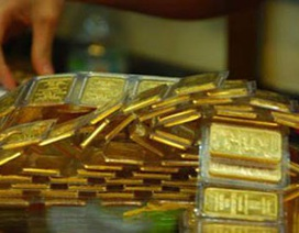 Giá vàng bật tăng mạnh sau phiên lao dốc
