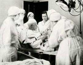 Ly kỳ câu chuyện vị bác sỹ tự tay phẫu thuật cắt ruột thừa của chính mình