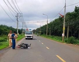 Thanh niên không đội mũ bảo hiểm điều khiển xe máy tông CSGT bị thương