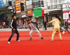 Xem nữ CSGT Ninh Bình một mình hạ gục hai đối tượng gây rối