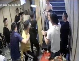 Khởi tố 10 đối tượng hành hung nhân viên quán karaoke