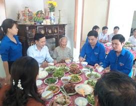"""Tuổi trẻ Quảng Trị tổ chức """"Bữa cơm tất niên"""" tri ân Mẹ Việt Nam Anh hùng"""